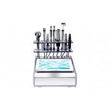 Kosmetologický kombajn Famous - sedm exkluzivních procedur v jednom zařízení